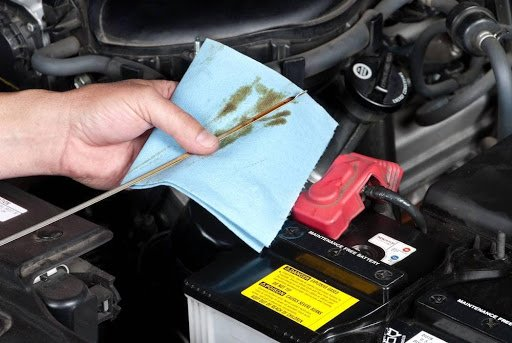 Checking the car fluid